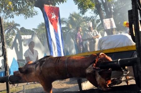 Cerdo-asado-Cuba-680x452